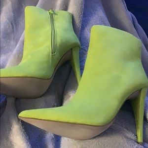 Sexy like green ankle boots